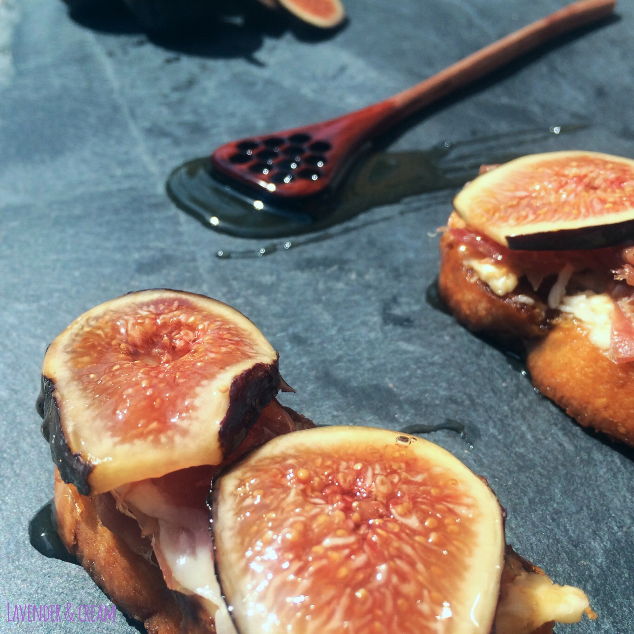 Fig Toasts w/ Honey Drizzle